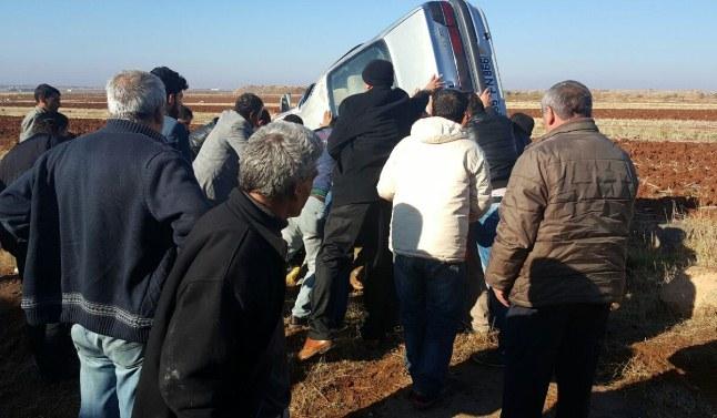 Suruç'taki kazada araç ters döndü