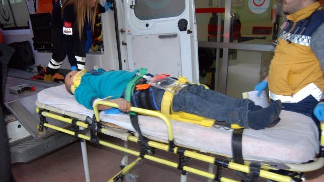 Traktörden düşen çocuk yaralandı