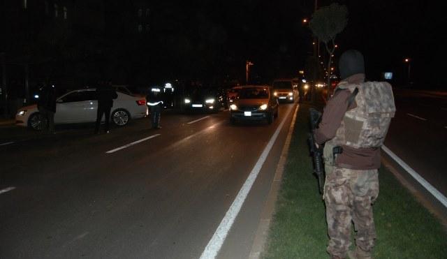 Urfa'da yüzlerce polis operasyon düzenledi