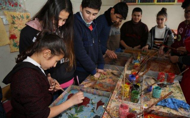 Urfa'da Genç Ebrucular yetişiyor