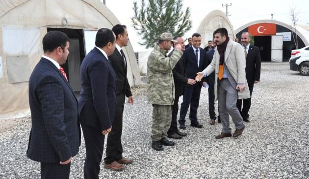 Yosunkaya, ilk ziyareti Süleyman Şah çadır kentte yaptı