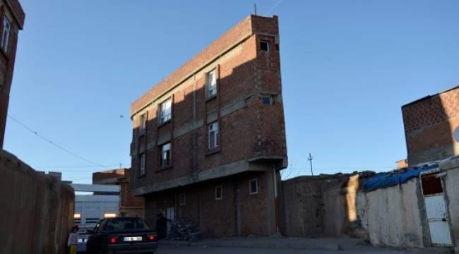 Bu binayı görenler bir daha dönüp bakıyor - Video Haber