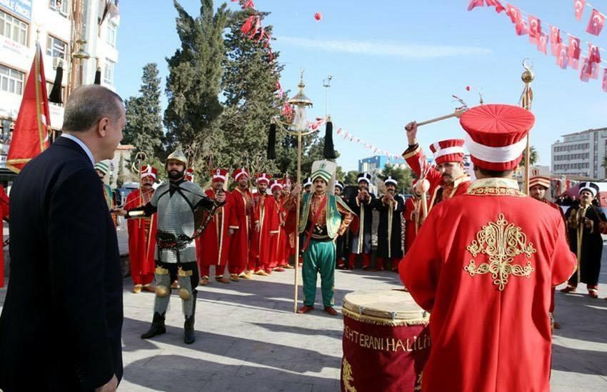 Cumhurbaşkanı Erdoğan'a mini Konser