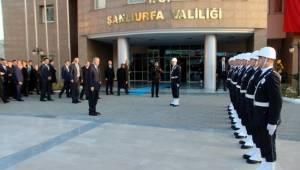 Erdoğan, tören mangası ile karşılandı