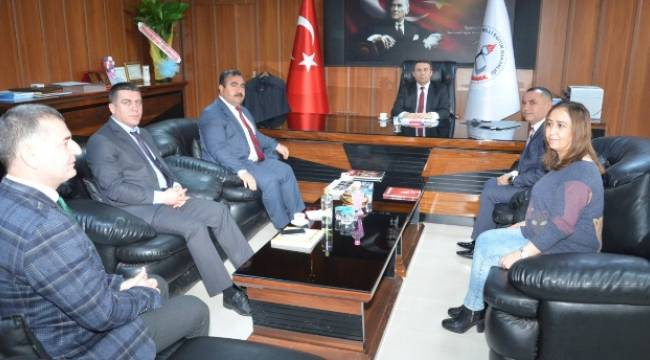 Kayyum Başkandan Viranşehir Meb'e ziyaret