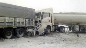 Şanlıurfa'da trafik kazaları: 2 ölü, 40 yaralı - Video Haber