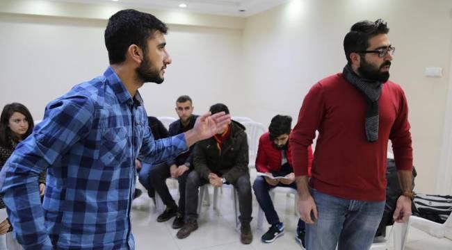 Urfa'da Yeni Tiyatro sanatçıları yetişiyor (Videolu Haber)
