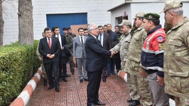 Urfa Valisi Tuna,Ceylanpınar,Suriye ile önemli bir sınırımız