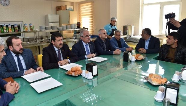 Vali Tuna, Urfaspor'u ziyaret etti