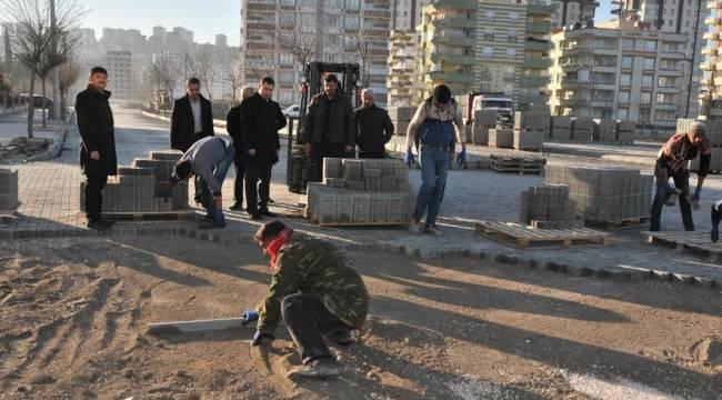 Atakent mahallesinde parke çalışması-Videolu Haber