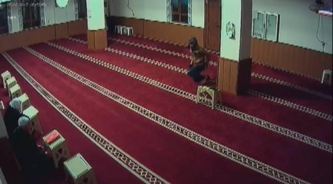 Bu olayın camide yaşanacağı aklımın ucundan geçmezdi