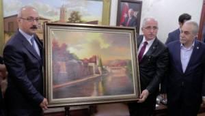 Elvan: Şanlıurfa 500 bin Suriyeliyi misafir ediyor