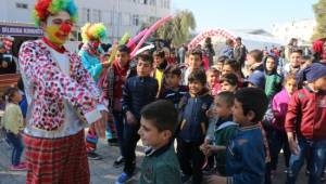 Suriyeli yetimler gönüllerince eğlendi