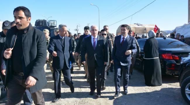 Vali Tuna Tel Hammut çadır kentini ziyaret etti