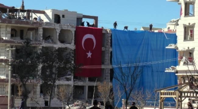 Viranşehir'de Patlama alanı Bayraklar ile kapatıldı