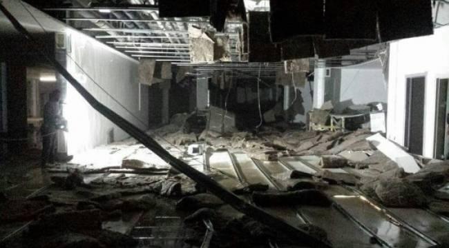 Hastane inşaatında asma tavan çöktü