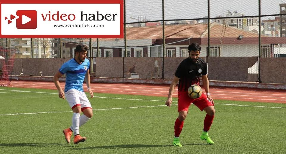 Karaköprüspor'un Şampiyonluk Şansı sürüyor-Videolu Haber