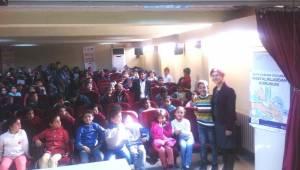 Öğrencilerine hastalıklar hakkında bilgi verildi