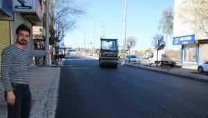 Şanlıurfa'da asfalt tabakasını yenileme devam ediyor