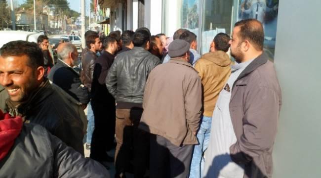 Urfa'da Suriyelilere bankamatik kartı dağıtılıyor