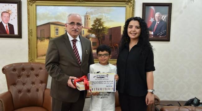 Urfalı Kitap Kurdu sertifikasını aldı