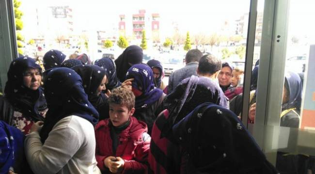 Viranşehir'de 50 Bin Kişiye Giyim Yardımı yapıldı
