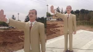 O Heykel Hafız Esat'ın değil Cumhurbaşkanı Erdoğan'ın