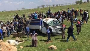 Urfa'da feci kaza, açık kasa pikap takla attı, 4 Ölü, 8 Yaralı