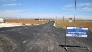 Kırsal mahalle yollarına sıcak asfalt
