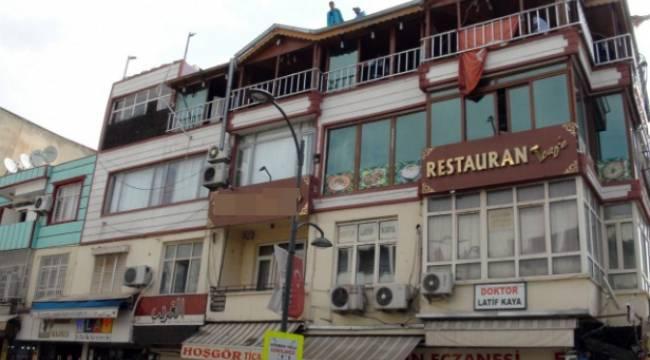 Şanlıurfa'da Evine vinçle girmesine neden olan konuk evi yıkıldı