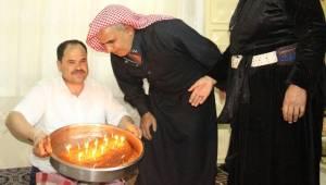 Urfa'da Çiğ Köfteli Güvercinli doğum günü kutlaması