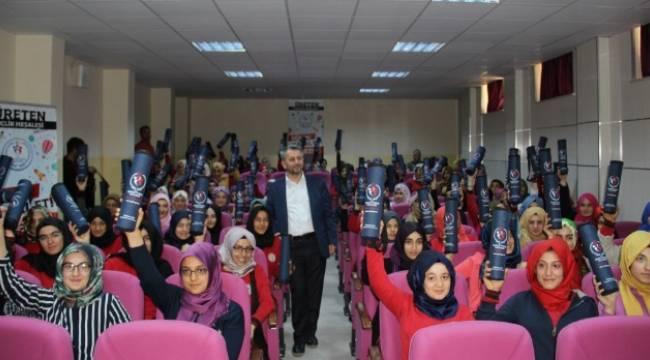 Urfa'da Üreten Gençlik projesinin ilk konferansı verildi