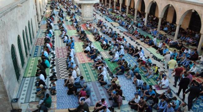 Şanlıurfa'da camiler doldu taştı