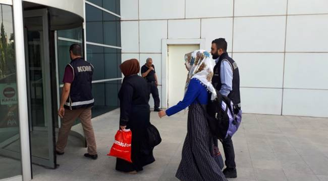 10 İl'de FETÖ'nün kadın sorumlularına operasyon