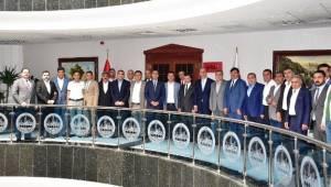 Ak Parti Şanlıurfa Teşkilatı Vali Abdullah Erin'i ziyaret etti-Videolu Haber