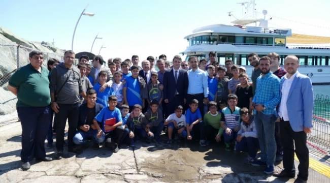 Gümrükçüoğlu Güneydoğulu öğrencileri ağırladı