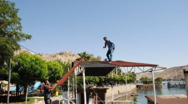 Halfeti'de kaçak yapı yıkıldı-Videolu Haber