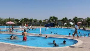 Şanlıurfa Merkez ve İlçelerdeki Yüzme Havuzları-Videolu Haber