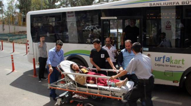 Şanlıurfa'da sıcaktan otobüs yolcusu bayıldı