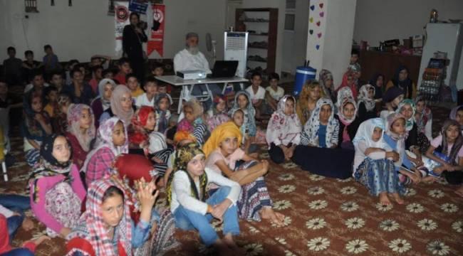 Sinevizyon dersi ile Kur'an-ı Kerim eğitimi veriyorlar