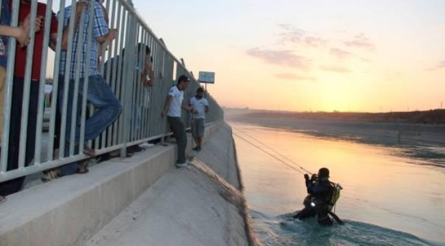 Sulama kanalına giren Suriyeli akıntıya kapıldı