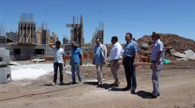 Turan, Siverek'te okul inşaatlarını inceledi