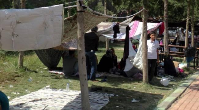 Urfa'da 45 derece sıcakta hasta nöbeti