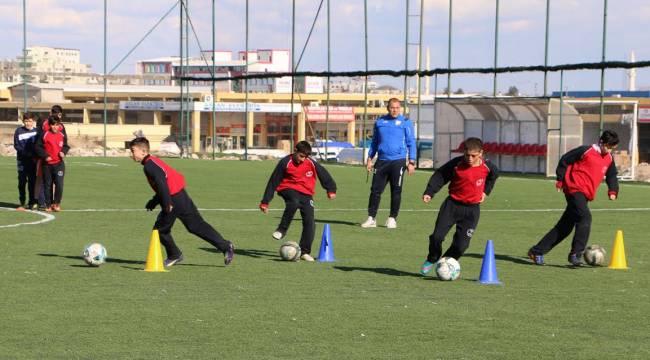 Urfa'da Futbol Yaz Okulları Kayıtları Başlıyor-Videolu Haber