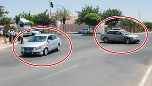 Urfa Merkezde Çarpışan otomobiller yayayı ezdi
