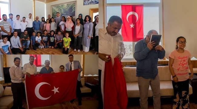 Urfalı Gençlerden, Şehit Direkli'nin Ailesine Ziyaret