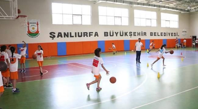 Basketbol kurs ve eğitimlerine ilgi yoğun