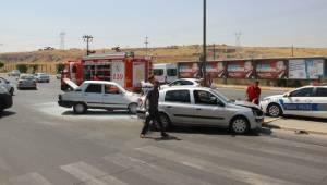 GAP Bulvarında Kaza, 1 Bayan Yaralandı