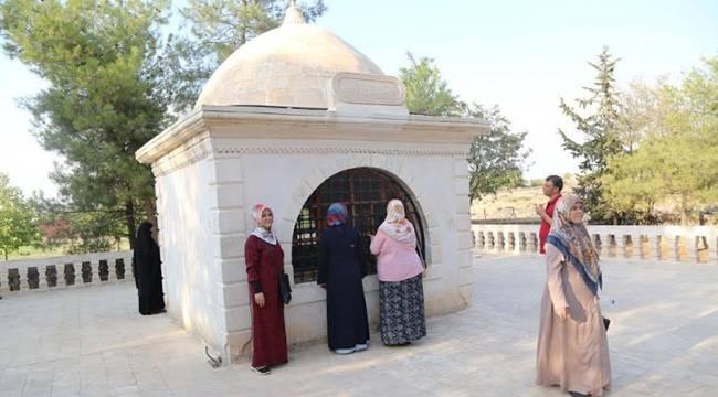 Haliliyeli Kadınlar Türbeleri Ziyaret Ediyor-Videolu Haber