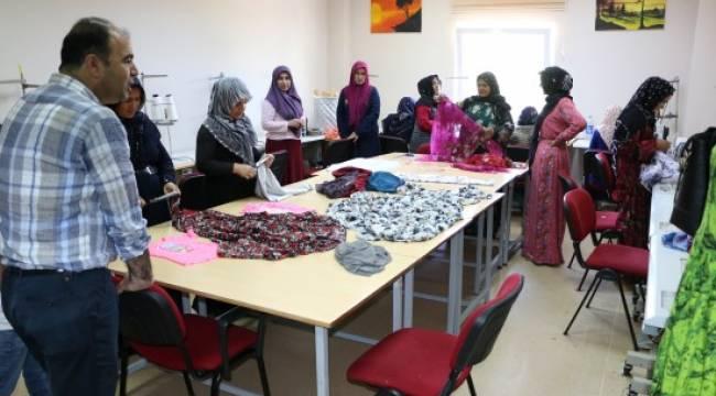 Kadınlar aile bütçelerine katkıda bulunuyor - Video Haber